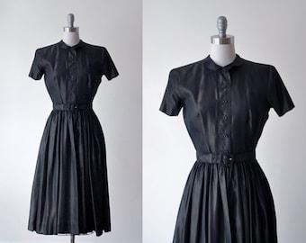 Ceil Chapman Dress. 50's green dress. dark green dress. 1950's taffeta dress. full skirt. m dress 50 vintage.