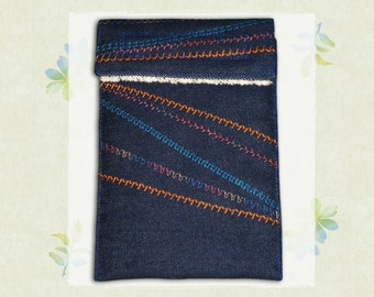 "6"" Kindle Case - Embroidered Pathways Design"
