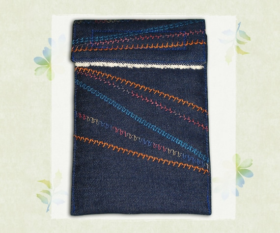 """6"""" Kindle Case - Embroidered Pathways Design"""