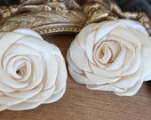 Cute silk   flower  ivory color  1 piece listing   3.5 inch wide
