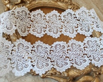 Very cute white color flower   venice  lace  1   yard listing 4 inch wide