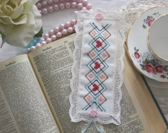 Victorian Lace Queen of Hearts Cross Stitch Book Mark-Free Shipping