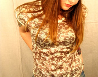 Vintage 1970s Brown FLORAL and LACE Cap Sleeve Top