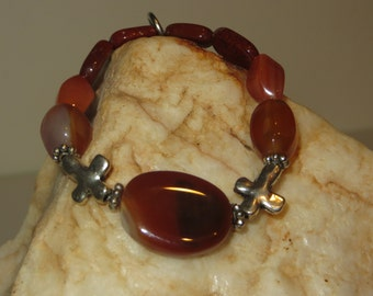 Agate Stretch Bracelet with Agate and Carnelian Beads, Silvertone Crosses and Daisy Spacers