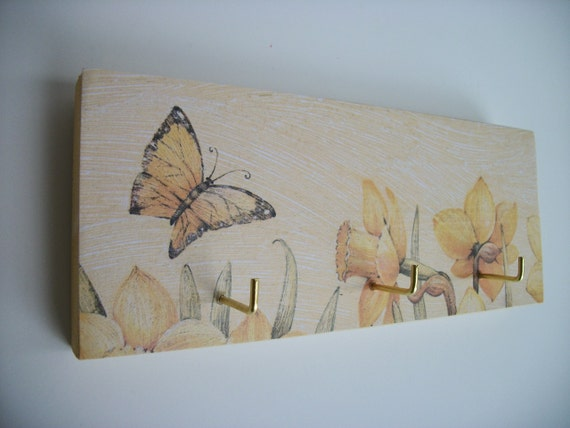 Butterfly Key Rack/Jewelry Rack Yellow Butterfly Daffodil Spring Decor