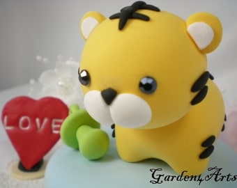 Custom baby shower cake topper - Lovely baby tiger with circle clay base - Chinese Zodiac