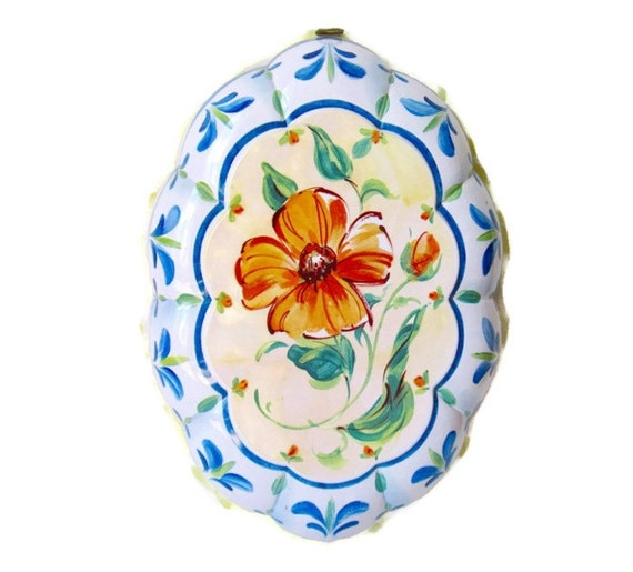 Tole Painted Metal Decorative Jelly Mold