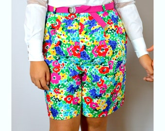 High Waist Walking Shorts, Bright Floral Print with Belt, Vintage 1980s 30 inch waist