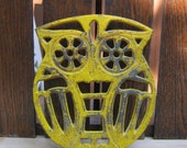 Cast Iron Owl Trivet Made in Japan - Primitive Yellow Paint - Paul Marshall - Chippy Distressed - Oak Hill Vintage