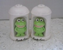 Funny Frog Salt and Pepper Shakers - Vintage, Collectible, Souvenir