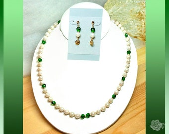 """21"""" Pearl Necklace White 6mm Ocean Cultured Pearls Green Czech Hearts Vintage Gold Corrugated Box Clasp And/Or 14K Gold-Filled Post Earrings"""