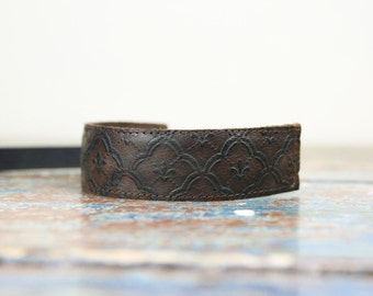 NEW Leather Wrist Strap - Fleur De Lis Leather DSLR Wrist Strap Camera Strap