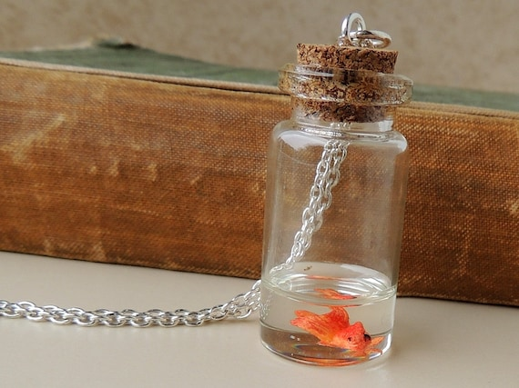 Goldfish Bottle Necklace, Miniature Fish Swimming in Resin Water inside a Glass Bottle Pendant, Fish Jewelry, Resin Jewelry, Bottle Jewelry