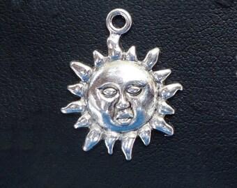 "Silver Sun Charms / Pendants - Set of 10 - 3/4"" Wide"