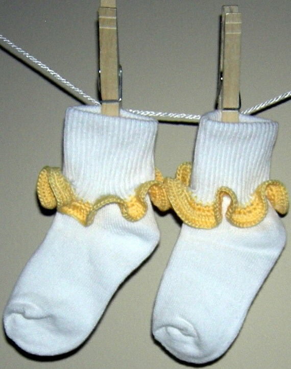 Toddler Size 3 - 8.5 Sunshine Yellow Crocheted RuffleTrim Socks - Ages 2 to 3 Years