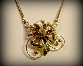 Vintage Rhinestone Golden Flower Pendant Choker Necklace