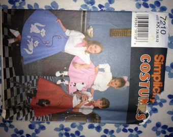 Simplicity 7210 Girl's Poodle Skirt Costume Pattern - Uncut