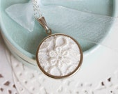 Off White lace necklace - bridesmaid necklace - lace jewelry - wedding jewelry - lace collection by Skrynka - l007