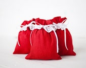 Red favor bags - Red linen drawstring gift bags set of 5 - small wedding favour gift pouches with lace - Linen gift bags