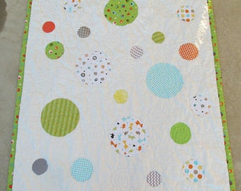 Baby Quilt, Boy or Girl, Modern Quilt, Crib Bedding, Toddler Bedding, Boy, Girl, Dots, Can be made with your baby's clothing for a keepsake