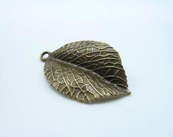 10pcs 34x20mm Antique Bronze Thick Leaf Charm Pendant C25