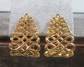 Vintage Gold Plated Infinity Wire Filigree Earrings, Lever Back, Pierced Conversion Available