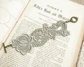 lace bracelet cuff -RACHAEL- soft gray