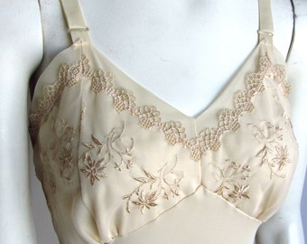 Vintage 50s 60s full slip nightgown Val Mode champagne Small