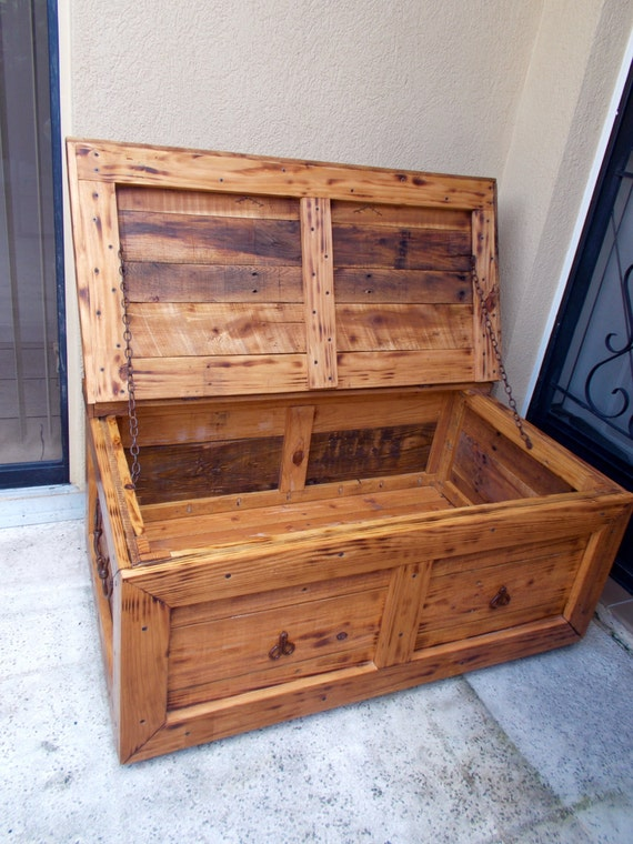 Rustic Coffee Table Trunk Or Blanket Chest Trunk