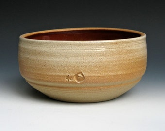 Serving Bowl with Nutmeg Interior