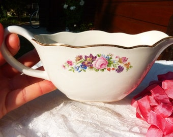 Lovely Vintage French Ceramic Sauce Boat - Digoin Sarreguemine - Shabby Chic - Romantic - Roses Flowers Pattern - Table Decor