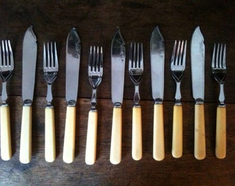 Vintage English silver plated fish dining cutlery set 6 forks and 5 knifes circa 1940's / English Shop