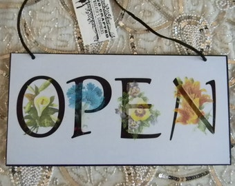 Open Closed Two Sided Decorative Plaque Sign