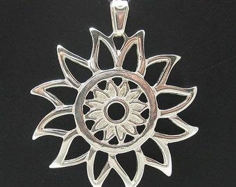 PE000602 Sterling silver pendant   solid 925 Sun