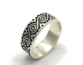 R000023 STERLING SILVER Ring Solid 925 Stylized Eye  Band