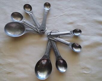 Vintage Metal Aluminum Or Stainless Steel Measuring Spoons From 1/4 Teaspoon to 1 Tablespoon.