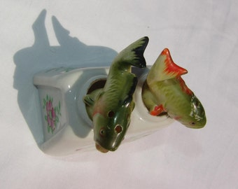 Salt and Pepper Shakers Trout Salmon Bass Vintage Fish Nooder  - touch the fish and they rock!