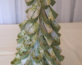 Green White Gold St Patrick's Day Paper Loop Table Top Tree Decoration