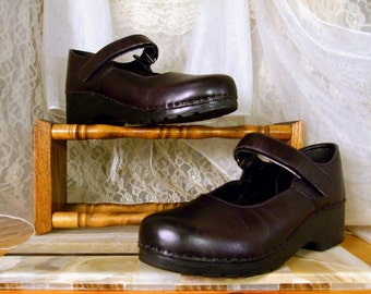 Vintage 90s LL Bean  Black Leather Platform Mary Janes In Excellent Condition... UK 6 ,,,  USA Woman's 8  ... Eu 38 - 39  Made in Portugal