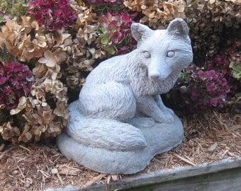Large sitting Fox