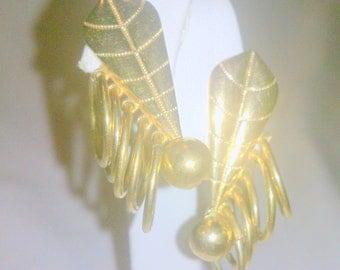 Vintage Art Deco Gold Tone Earrings