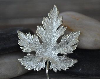 Vintage 1980's Sliver Maple Leaf Brooch