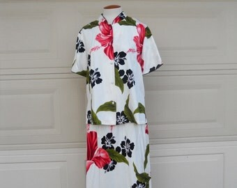 SALE Vintage Hawaiian Dress . 2 Piece Hibiscus Skirt and Top Set . by Iolani . L