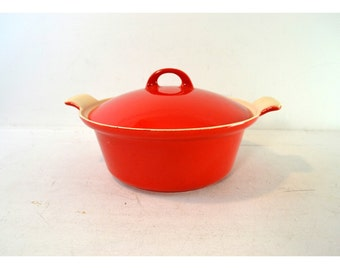 Vintage Griswold Casserole // Red and Cream Enamel Cast Iron Dutch Oven