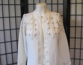 Vintage 1960s Floral White Cardigan by Sweater Bee Banff 36 Medium Beige Pink Roses Green Jumper