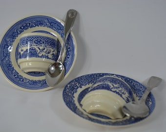 Blue and white Coffee Cup Wall Displays. Planters. Wall Pockets. Coffee and Spoons Display. coffee connoisseurs. Un cafe