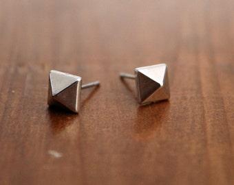 Tiny silver studs, Tiny silver pyramid studs, Silver geometric earring, Silver stud earrings, Geometric silver studs, Pyramid post earrings