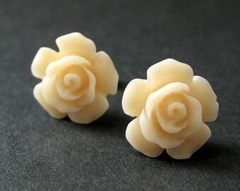 Apricot Flower Earrings. Pale Apricot Earrings. Gardenia Flower Earrings. Silver Stud Earrings. Apricot Rose Earrings. Handmade Jewelry.