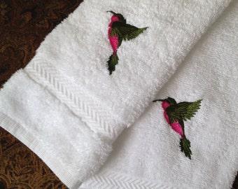 Decorative Machine Embroidered Hummingbird Hand Towel and Wash Cloth