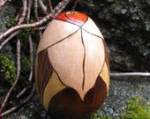 """Trillium Flower Blossom with Dark Leaves Pyrography Woodburning 2.5"""" Maple Wood Egg"""